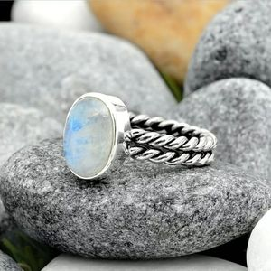 4g Rainbow Moonstone - India 925 Sterling Silver R